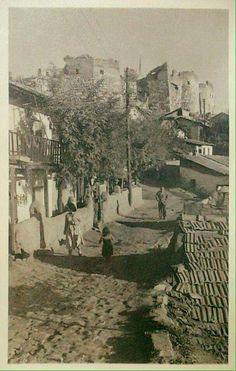 İlk defa gördüğüm farklı bir açıdan ANKARA KALESİ. Hagia Sophia, Antalya, Ankara Styles, Once Upon A Time, Geography, Old Photos, Wonders Of The World, Istanbul, Greece