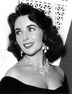 Schon in jungen Jahren liebte sie die großen Juwelen.