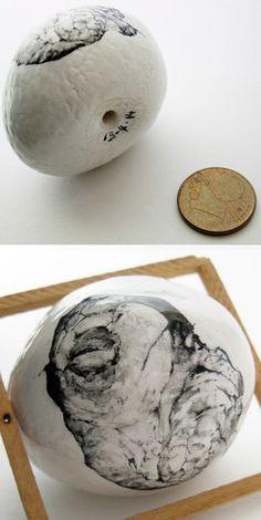 "#Easter #turtel #egg #ceramic #hand-painted  by THJané [""Páscoa"", 2014] dimensions 4,5x3,5cm"