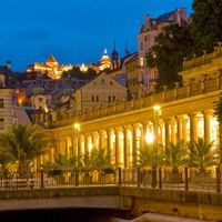 Main promenade in Karlovy Vary in the night. Book this fantastic day trip on our website !