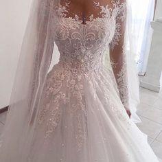"5,030 curtidas, 29 comentários - The Fashionista (@thefashionista) no Instagram: ""Yes or No??? Tag BFF follow me @weddingdresslookbook"""