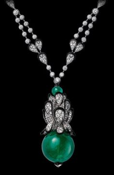 Cartier - Indian Influences – High Jewelry Necklace - White gold, one carat cabochon-cut emerald, black lacquer, brilliants. Emerald Necklace, Emerald Jewelry, High Jewelry, Silver Jewelry, Jewelry Accessories, Jewelry Necklaces, Diamond Necklaces, Jewelry Stores, Jewlery