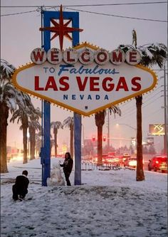 Landscaping Software For Ipad Las Vegas City, Las Vegas Trip, Las Vegas Nevada, Vegas Lights, Destinations, Old Signs, Googie, Rock And Roll, Places