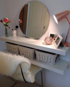 DIY Makeup Vanity Design Ideas 22 (DIY Makeup Vanity Design Ideas design ideas and photos Easy Diy Room Decor, Room Wall Decor, Home Decor Bedroom, Diy Home Decor, Bedroom Ideas, Diy Bedroom, Mirror Bedroom, Budget Bedroom, Small Bedroom Vanity