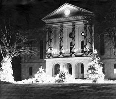 Middleborough Town Hall dressed for Christmas    December 1959
