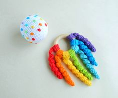 Montessori sensory balls Rainbow baby rattle wooden teether ring Baby development toys Toddler activity Baby Sensory Toys, Montessori Baby Toys, Crochet Ball, Crochet Toys, Organic Baby Toys, Newborn Toys, Rainbow Crochet, Developmental Toys, Waldorf Toys