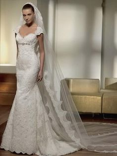 V-neck Applique Lace Mermaid/Trumpet Wedding Dress With Sleeves