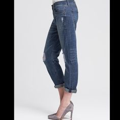 Banana Republic Premium Denim Boyfriend Jeans//NWT New with tags! Size 24 petite from Banana Republic Premium denim collection. Fun, comfortable boyfriend jeans with relaxed fit. Dress up with a pair of heels and a blazer! This will be a go-to pair of jeans this spring. Banana Republic Jeans Boyfriend