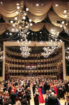 A lot of #RIEDEL equipment was in use during the Vienna Opera Ball 2016 live broadcast by the #ORF: Digital mobile radios, an Acrobat system with 13 antennas, Artist in the OB van and a complete intercom service.
