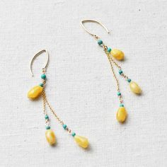 Teardrop and seed bead earrings-- love the yellow turquoise color combo! Seed Bead Earrings, Beaded Earrings, Earrings Handmade, Handmade Jewelry, Teardrop Earrings, Wire Jewelry, Beaded Jewelry, Jewellery, Jewelry Accessories