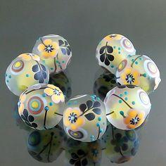 PIKALDA=handmade lampwork 7 glass beads flower blossom garden=LEMON LEAF=SRA