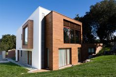 Casa pasiva en Asturias. Estructura de Madera Contralaminada de Abeto en cubierta y muros.