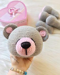 . . Seen ne ponçiksiiiin pofuduk pofuduk bittikten sonra tam da sarılıp uyumalık . . Sevgiyle.. . . . . . . . . . #amigurumi #amigurumidoll #amigurumiaddict #amigurumilove #amigurumicrochet #crochet #crochetlove #love #handmade #knitting #knit #elemeği #uykuarkadaşı #ayıcık #bear #hobi #terapi #like4like #likeforlike #instalike #elifin_orgu_dunyasi #girl #happy #beauty #photoftheday #gününfotosu #amazing #smile #colorful #baby