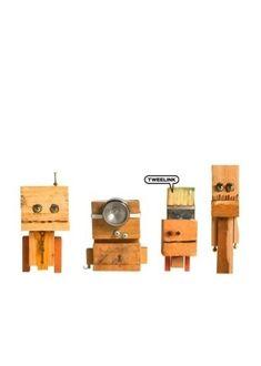 Woody's; van oude stukken hout grappige poppetjes gemaakt. Hebbon!