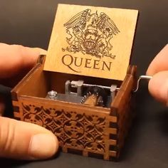 Queen Handshake Gift Birthday Gift Music Box A perfect gift for FAN! Welcome to the wonderful world of crankshaft music boxes! This is a beautiful wooden music box with a meaningful message engraved from the inside of the box. Box Queen, Queen Queen, Diy Gifts, Best Gifts, Unique Gifts, Wooden Music Box, Diy And Crafts, Wood Crafts, Wooden Box Crafts