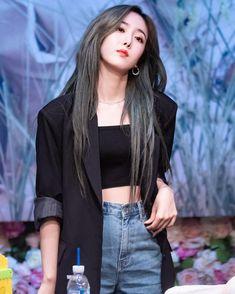 dedicated to female kpop idols. Kpop Girl Groups, Korean Girl Groups, Kpop Girls, Kpop Fashion, Fashion Beauty, Sinb Gfriend, Fandom, G Friend, South Korean Girls
