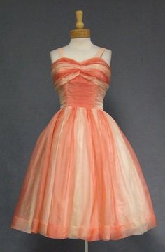 Salmon Ombre Organdy Cocktail Dress--not too crazy about the colors, but I love the cut! 50s Prom Dresses, Vintage Party Dresses, Vintage Prom, Vintage Style Outfits, Strapless Dress Formal, 1950s Dresses, Sun Dresses, Vintage Ladies, Wedding Dresses