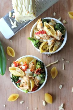 Broccoli Chicken Mac and Cheese from~ http://damndelicious.net/post/40589460071/broccoli-chicken-mac-and-cheese