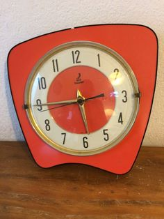superbe horloge vintage vedette transistor rouge formica. Black Bedroom Furniture Sets. Home Design Ideas