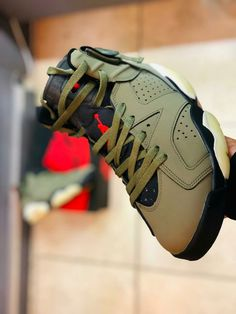 R1500 Each WhatsApp me to get yours 081 850 7400...we delivery nationwide in places around South Africa Jordan Fashions, South Africa, Fashion Shoes, Jordans, Delivery, Places, Sneakers, Stuff To Buy, Tennis