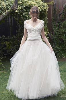ウエディングドレス・アクセサリー|Cli'O mariage(クリオマリアージュ)(クリオマリアージュ) One Shoulder Wedding Dress, Wedding Dresses, Women, Fashion, Bride Dresses, Moda, Bridal Gowns, Fashion Styles, Weeding Dresses