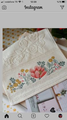 Cross Stitch Rose, Cross Stitch Flowers, Cross Stitch Designs, Cross Stitch Patterns, Rico Design, Bargello, Hand Embroidery, Diy And Crafts, Towel