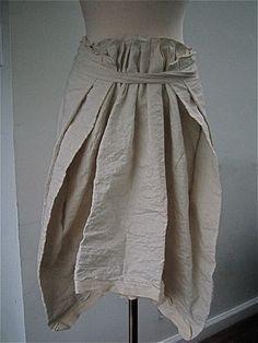 Forme (Forme d'expression) by Koeun Park-very nice! Fashion Details, Love Fashion, Vintage Fashion, Womens Fashion, Fashion Design, Skirt Tutorial, Fabric Manipulation, Dress Skirt, Style Me