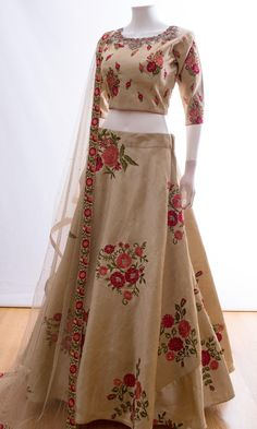 Look at this Cool African style 9048720039 Dress Indian Style, Indian Dresses, Indian Outfits, Emo Outfits, Indian Wear, Dress Outfits, Indian Wedding Gowns, Indian Bridal Lehenga, Punjabi Wedding