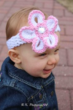 Crochet head band...@Amanda Stuckemeyer-Ackley ...amanda do you think i could actually make this haha....we will have to try before baby lilly comes