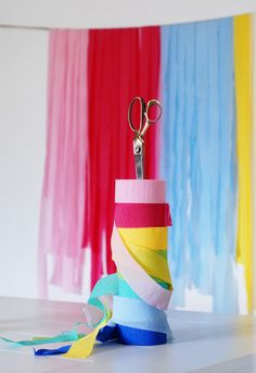 How to make a waterfall crepe paper party backdrop