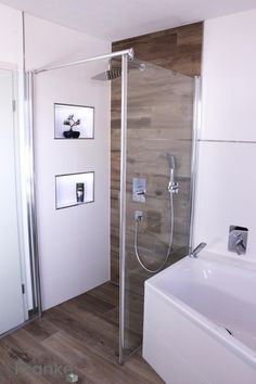 Bathroom in a modern wood look: bathroom by elmar .- Badezimmer in einer modernen holzoptik: badezimmer von elmar franke fliesenlegermeisterbetrieb e.k Bathrooms in a modern wood look: bathroom by elmar franke tiler mills e. Dyi Bathroom Remodel, Shower Remodel, Bathroom Renovations, Bathroom Colors, Bathroom Sets, Modern Bathroom, Shower Bathroom, Small Showers, Small Bathroom Storage