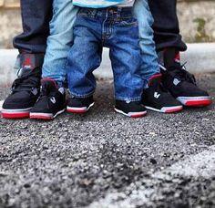 Quand toute la famille s'y met! #family #mom #dad #child #kid #cute #sneakers #myminimi #jordan #nike #enfants