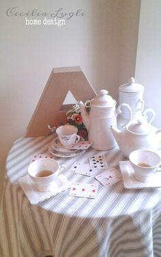 Alice in Wonderland table setting, Cecilia Lugli home design.