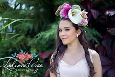 Teeneger girl, XV party, flower crown by LADIANE PERGA