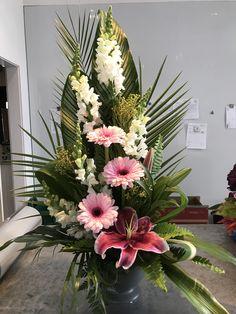 Tropical Flower Arrangements, Modern Floral Arrangements, Funeral Flower Arrangements, Vase Arrangements, Beautiful Flower Arrangements, Unique Flowers, Floral Centerpieces, Beautiful Flowers, Altar Flowers
