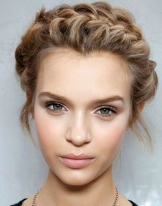Cool Medium To Long Hairstyles Perfect For Your Summer Makeup