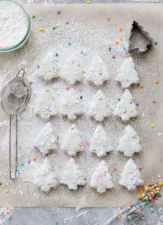Homemade Funfetti Holiday Marshmallows - Camille Styles