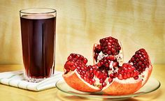 Then how about adding pomegranate juice to your diet. Here's how drinking pomegranate juice can help you lower blood pressure, aid weight loss and much more. Pomegranate Juice Benefits, Pomegranate How To Eat, Eating Pomegranate, Lower Cholesterol, Fruit Juice, Healthy Drinks, Healthy Food, Healthy Skin, Healthy Recipes