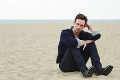 Straight from the treacherous city of Gotham, Cory Michael Smith can be found anywhere except where you think he would be, putting on a show that presents his Gotham Series, Gotham Cast, Gotham Tv, Gotham Girls, Cory Smith, Cory Michael Smith, Edward Nygma Gotham, Gotham Characters, Kevin Richardson