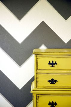 Go bold! Find out how to paint a chevron pattern on your wall or furniture. Via @Lindsay Ballard @ Makely for MyColortopia.com