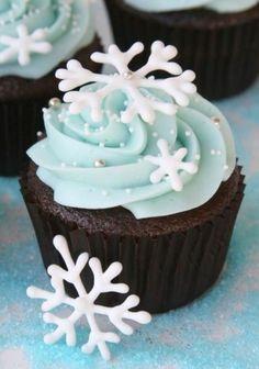 festliche tischdeko weihnachten einfache plätzchen backen muffins