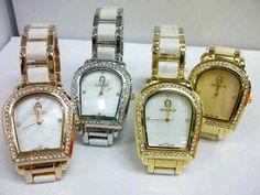 Aigner Diamond Keramik Chain 6056 Harga : Rp 225.000,-  Spesifikasi : Tipe : jam tangan wanita Kualitas : kw super Diameter : 3cm Tali : rantai  Untuk pemesanan bisa hubungi : SMS 081929271117 Pin BB 270C3124