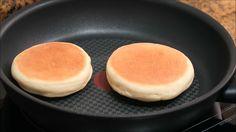 Muffin Inglés sin Horno ideal para desayunar - Fırın yemekleri - Las recetas más prácticas y fáciles Bread Rolls, Bagel, Cornbread, Bread Recipes, Food Inspiration, Catering, Waffles, Muffins, Food And Drink
