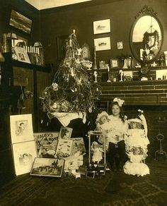Vintage CHRISTMAS Cabinet Photo 1900s MANY VINTAGE TOYS