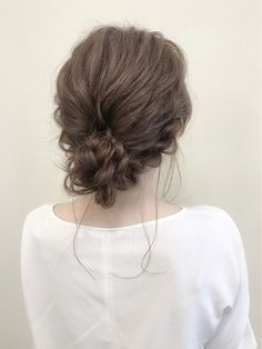 アラサー向きの万能ヘア♡こなれも上品もおまかせなシニヨンアレンジ - LOCARI(ロカリ) Red Carpet Hair, Hair Arrange, Updos, Dyed Hair, Long Hair Styles, Sexy, Beauty, Fashion, Up Dos
