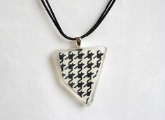 Asymmetrical Houndstooth Resin Necklace with Gold Fiber - Chic and Stylish Handmade