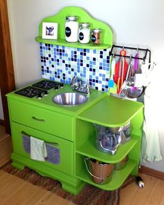 Another super awesome home made play kitchen :) Sassy Cows and Fancy Things: DIY: Children's Play Kitchen
