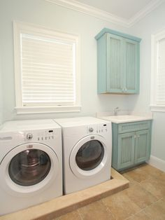 finish and color of cabinets