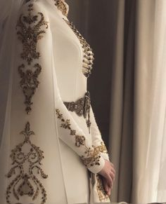 Look like royalty on your special day with this beautiful hand finished couture gown! Tag a bride who would love this dress! Pretty Dresses, Beautiful Dresses, Hijab Fashion, Fashion Dresses, Fantasy Dress, Mode Inspiration, Design Inspiration, Fantasy Inspiration, Costume Design