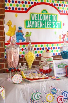 Sesame Street party: Jayden-Lee is 1! | Chickabug